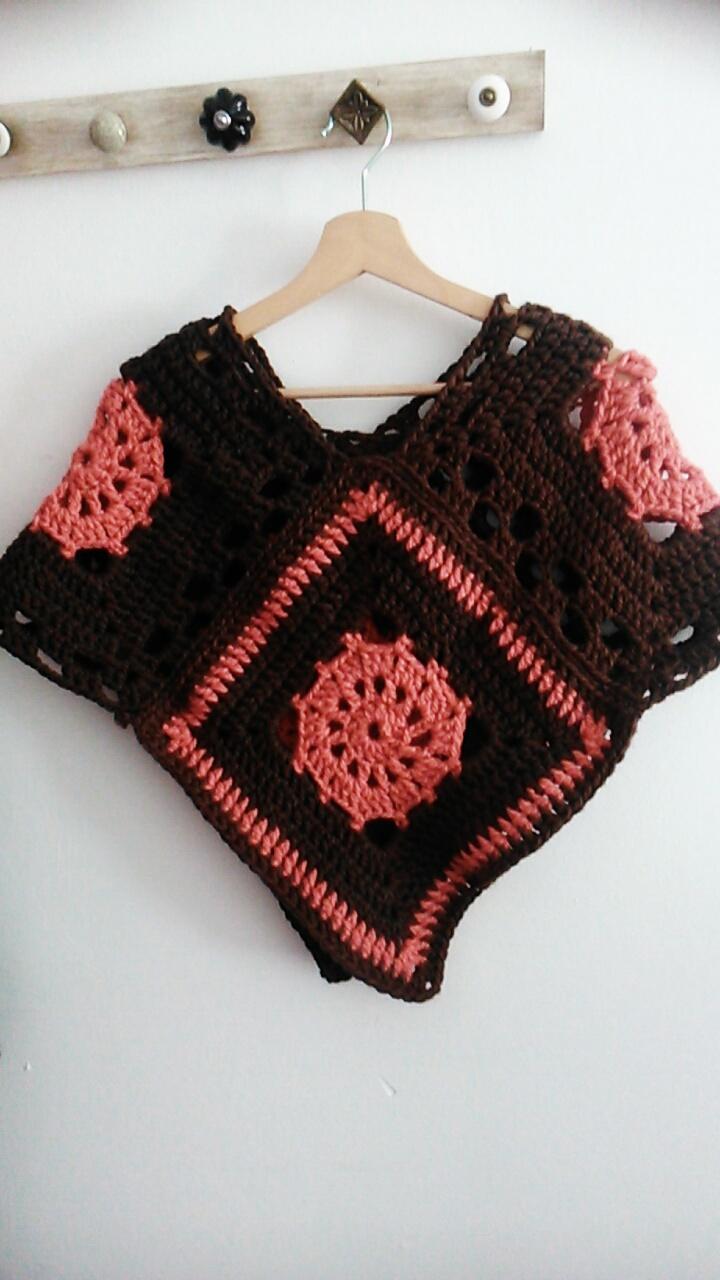 Poncho con granny squares – Crochet – Ganchillo – Comando Craft