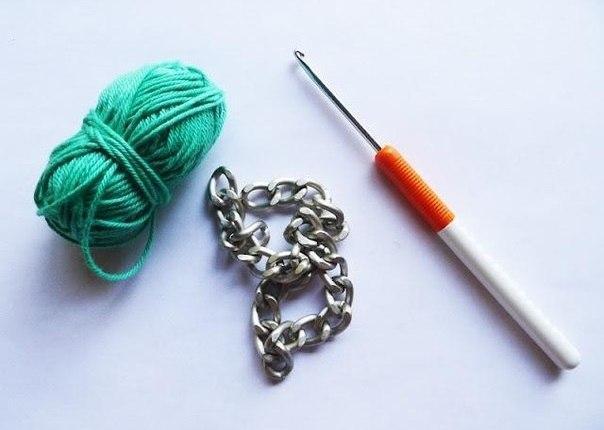 aprende como realizar paso a paso un collar de cadena con detalles de crochet ganchillo con este se acerca el verano crea tus propias y
