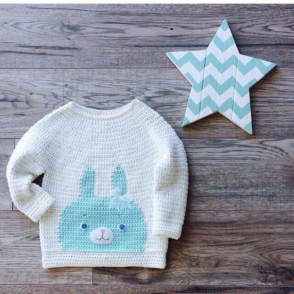Jersey – Remera – Aplique de Conejo en Tapestry – Crochet – Comando ...