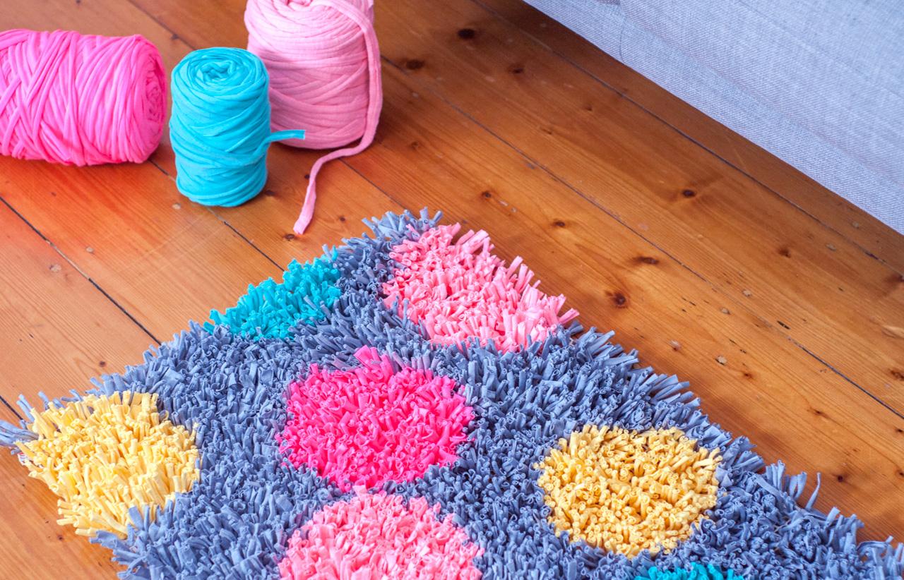 Alfombra con trapillo paso a paso comando craft for Origen de alfombra